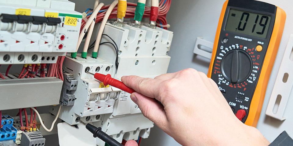obsluzhivanie-elektriki-